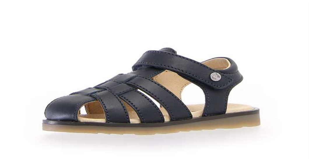 Closed Sandals. Classics