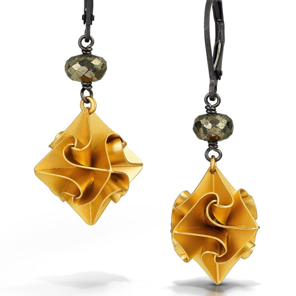 Chihiro Makio - Vermeil Stardust Earrings with Pyrite