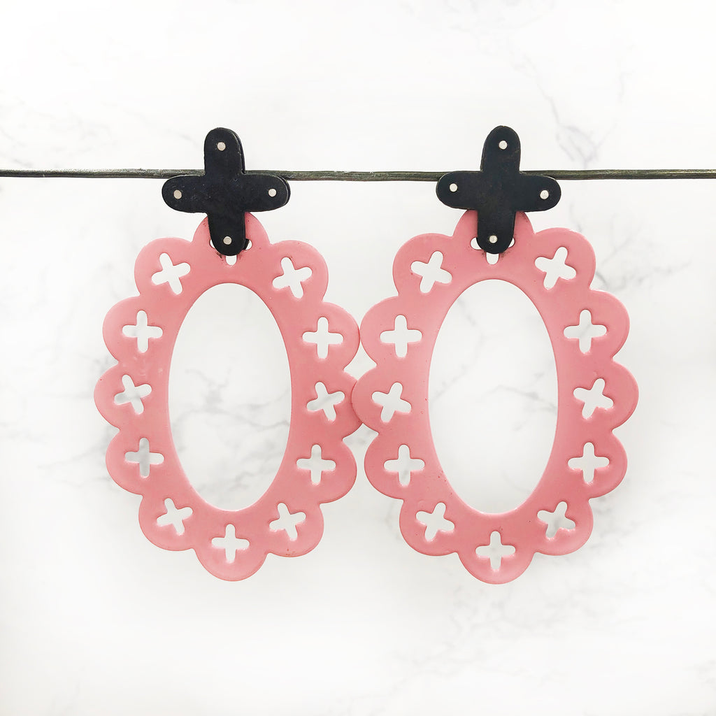 Mando Bee - Pink Party Hat Earrings