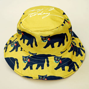 Panther with fire rose bucket hat. Made from cotton canvas for the comfortable ware.