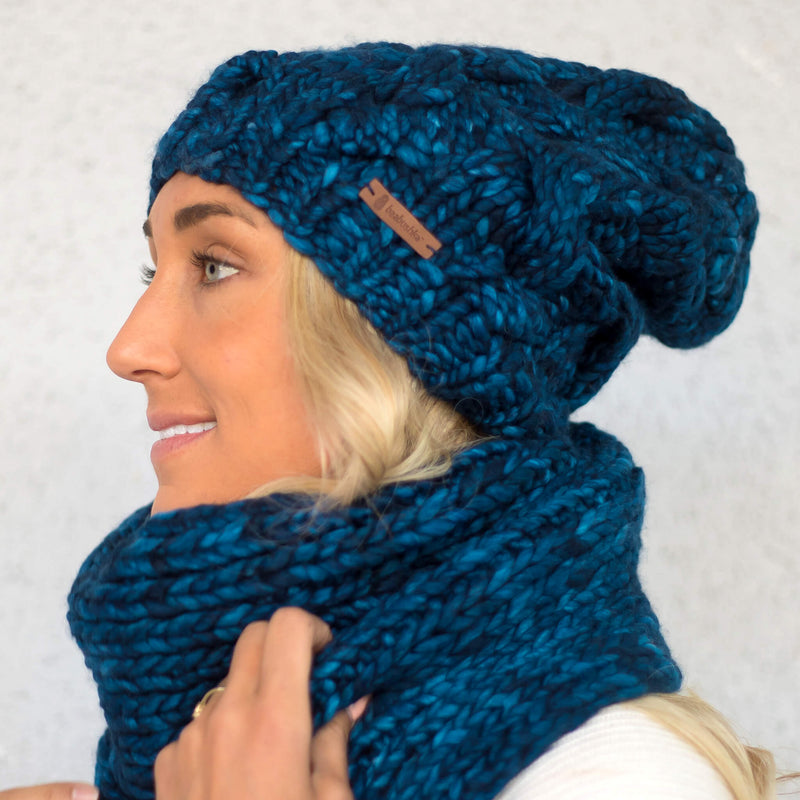 Women's Chunky Cable Knit Merino Wool Beanie - Midnight Blue