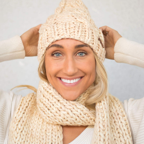 Women's Chunky Cable Knit Merino Wool Beanie - Vanilla Cream