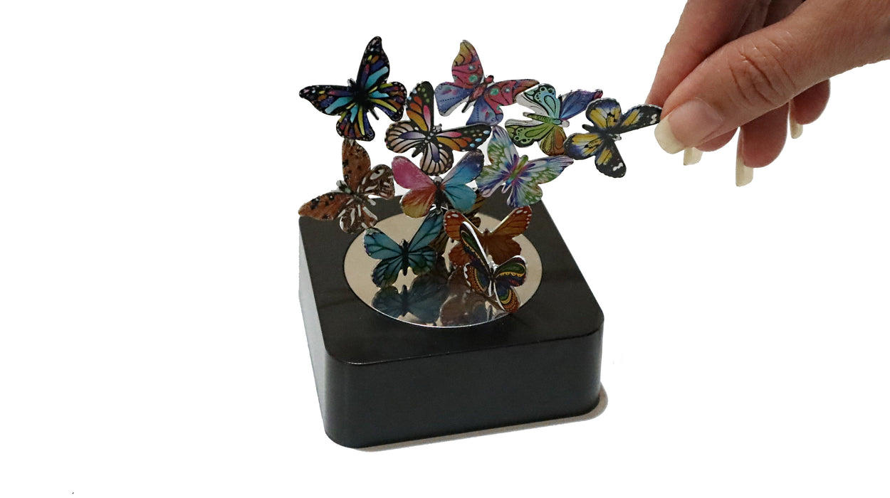 Shop Magnetic Sculpture Desk Toy with Mirror Base - Aliens Poop