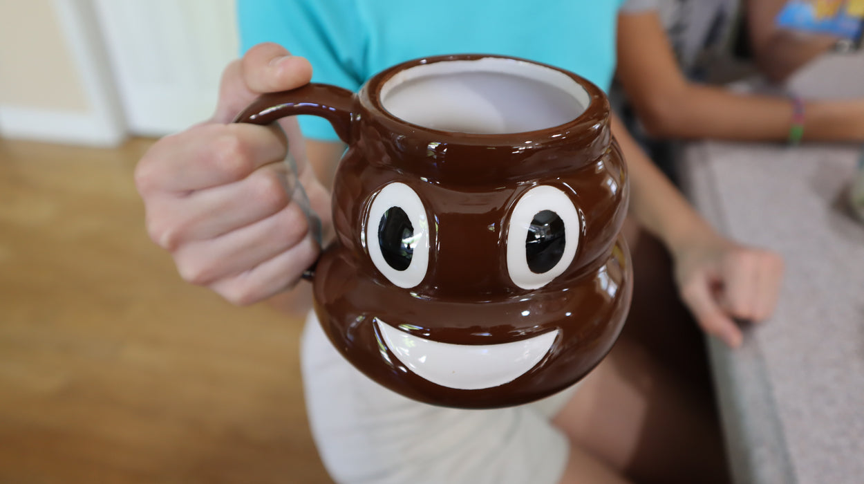 Shop Emoji Poop Shaped Coffee Mug, 20 oz Ceramic Coffee Mug with Lid - Aliens Poop