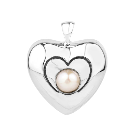 Heart Pendant in Silver with a Pearl