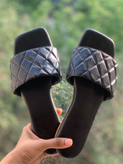 Black cushioned Sliders
