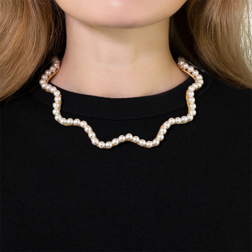A Bigger Splash Choker - Pearl
