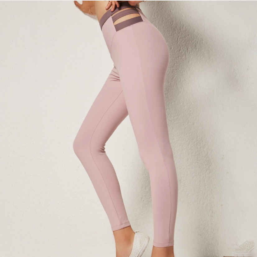 Hummingbird Contrast & Strap Leggings made of soft and breathable fabric. Perfect for workout and yoga
