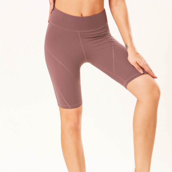 Hummingbird Latitude Bike Shorts Made of peached fabric, which is smooth, breathable and sweat absorbent. Perfect workout / yoga wear in Summer