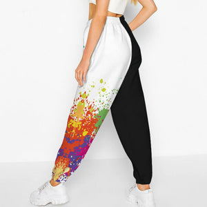 Add a seasonal style to your athletic wear and enjoy a merry Christmas with these Loose Fit Drawstring Christmas Joggers - Snowman & Paint Splatter. Featuring seasonal prints from Santa Claus to snowman, loose fit silhouette, an adjustable drawstring and side pockets, these joggers keep you cozy and warm during cold seasons, and can be worn on occasions from gym to street, from family gatherings to casual lounging. Made of soft, quick dry and wrinkle-resistant fabric.