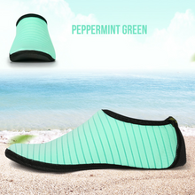 Load image into Gallery viewer, Hummingbird Minimalist Water Shoes Aqua Socks For Adults Kids