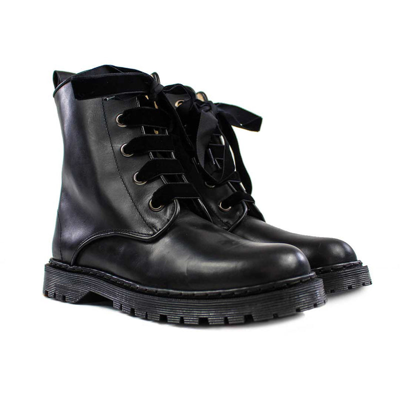 KENDAL Black Leather Cow