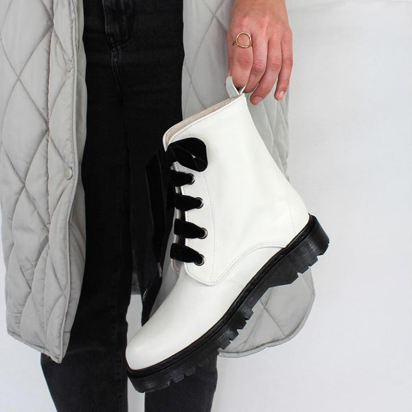 KENDAL White Cow Leather