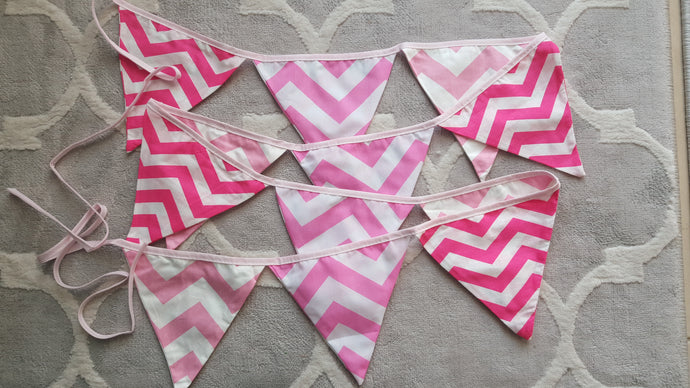 Fabric bunting 2,5 m - pink/white stripes