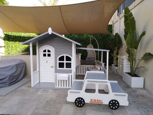 Outdoor picnic table - car
