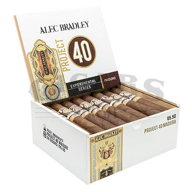 Alec Bradley Project 40 Maduro Robusto 05.50 Box Open
