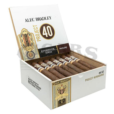Alec Bradley Project 40 Maduro Toro 06.52 Box Open