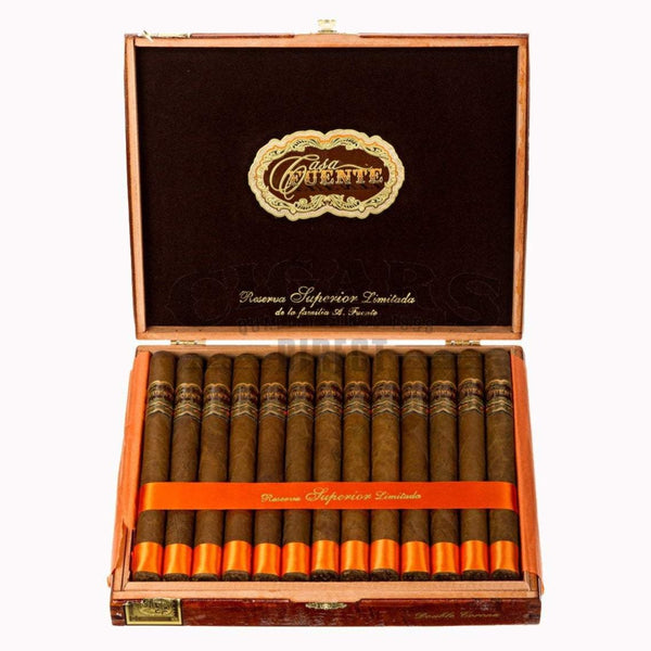 Load image into Gallery viewer, Arturo Fuente Casa Fuente Double Corona Box Open