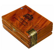 Load image into Gallery viewer, Arturo Fuente Don Carlos Robusto Box Closed