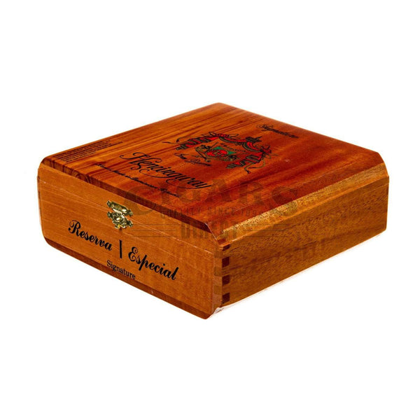 Load image into Gallery viewer, Arturo Fuente Hemingway Signature Box Closed