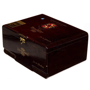 Arturo Fuente Opus X Double Robusto Box Closed