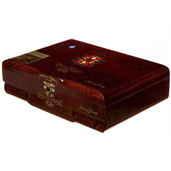 Load image into Gallery viewer, Arturo Fuente Opus X Fuente Fuente Box Closed