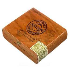Ashton Aged Maduro Pyramid Box Closed