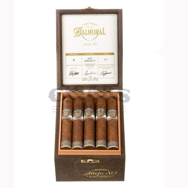 Load image into Gallery viewer, Balmoral Anejo Xo Petit Robusto Ft Box Open