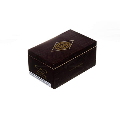 Cao Gold Maduro Corona Gorda Box Closed