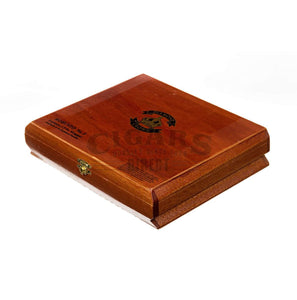 Diamond Crown Original Robusto No.2 Box Closed