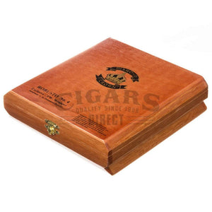 Diamond Crown Original Robusto No.4 Box Closed