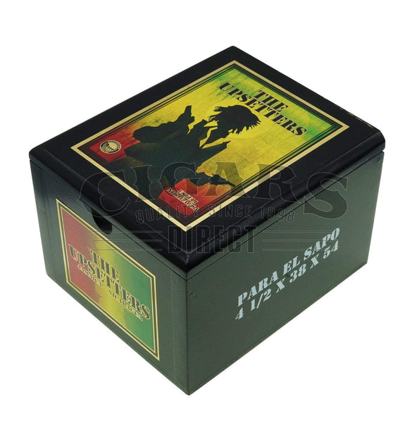 Load image into Gallery viewer, Foundation Cigar Co The Upsetters Para El Sapo Box Closed