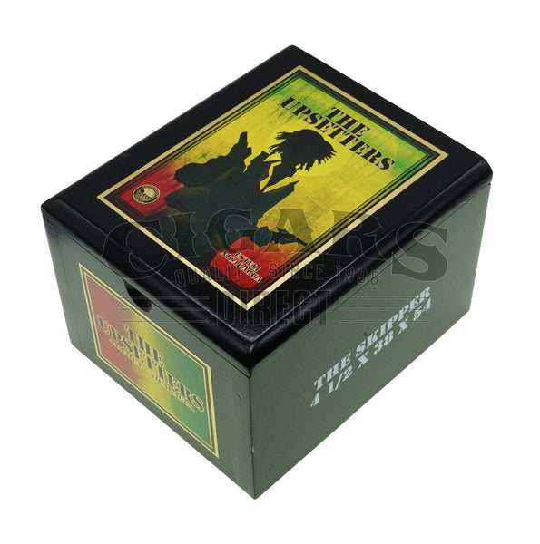 Load image into Gallery viewer, Foundation Cigar Co The Upsetters The Skipper Box Closed