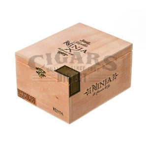 Gurkha Ninja Knife Closed Box