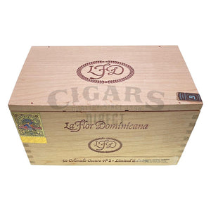 La Flor Dominicana Colorado Oscuro No. 2 Corona Box Closed