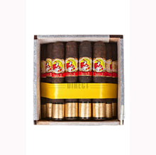 Load image into Gallery viewer, La Gloria Cubana Serie R Maduro No4 Box Open