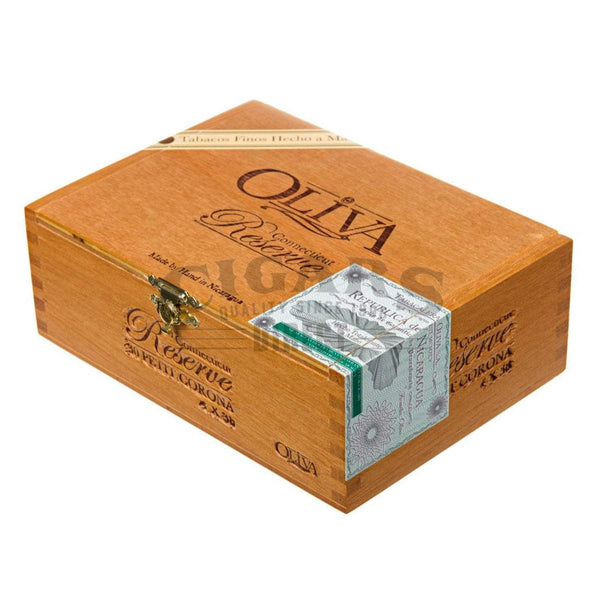 Load image into Gallery viewer, Oliva Connecticut Reserve Petit Corona Box Closed