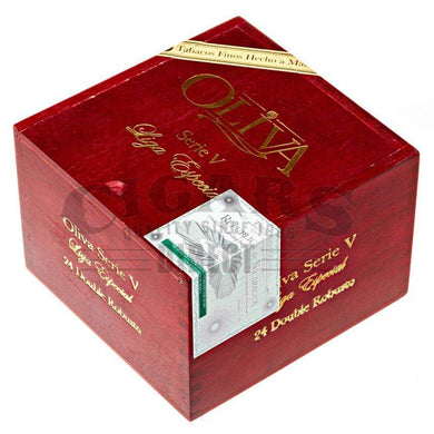 Oliva Serie V Double Robusto Box Closed