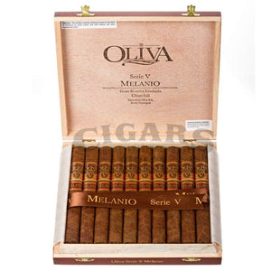 Oliva Serie V Melanio Churchill Box Open