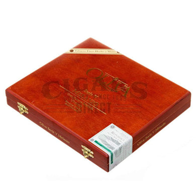 Oliva Serie V Melanio Torpedo Box Closed
