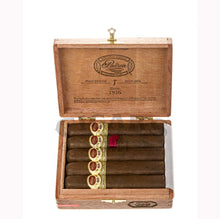 Load image into Gallery viewer, Padron 1926 Anniversary No.9 Maduro 10 count Box Open