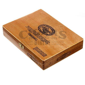 Padron 1964 Anniversary No.4 Natural Box Closed