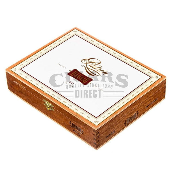 Load image into Gallery viewer, Padron Damaso No.15 Toro Box Closed