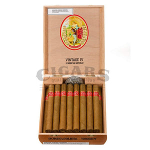 Romeo Y Julieta Vintage No.4 Box Open
