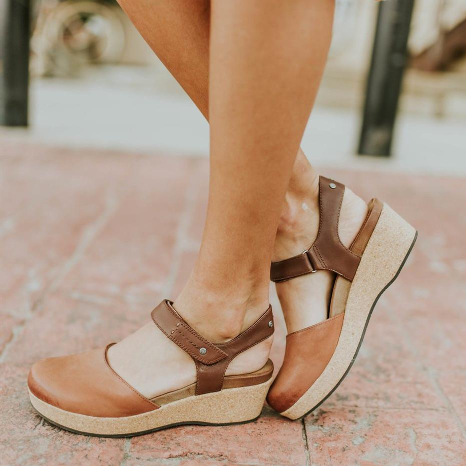 Summer Flat-bottomed Buckle Solid Color Sandals