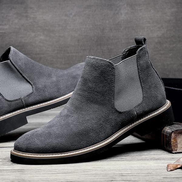 Casual Men's Squadron Helps Martin's Boots Polish Chelsea's Boots