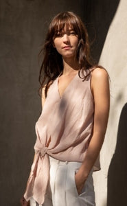 The Ellie - Sleeveless tie top in dusty Pink