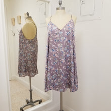 Load image into Gallery viewer, Lavender floral slip dress