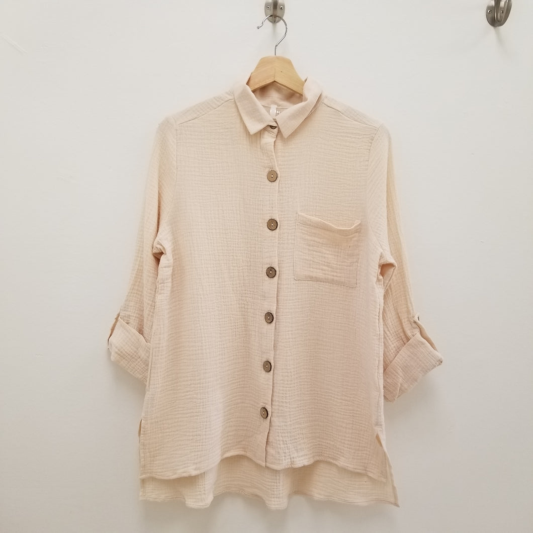 textured latte button up top