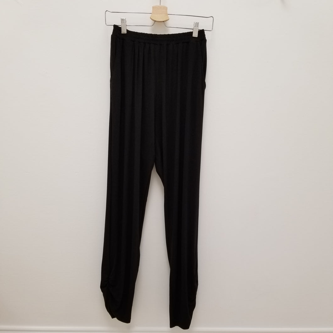 Comfy knit pants with shirring detail in black